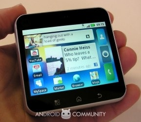 Motorola Flipout hands-on
