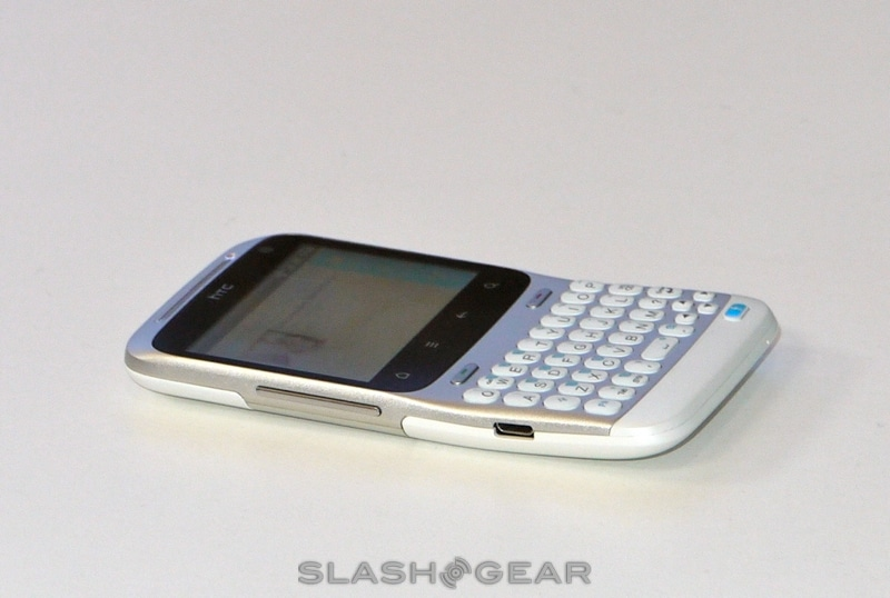 HTC-ChaCha-and-HTC-Salsa-Facebook-phone-hands-on-03-slashgear