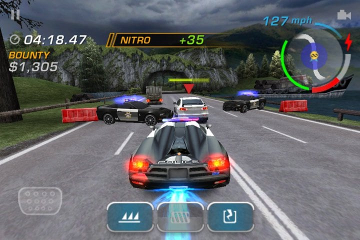 Need-For-Speed-Hot-Pursuit-iPhone-1