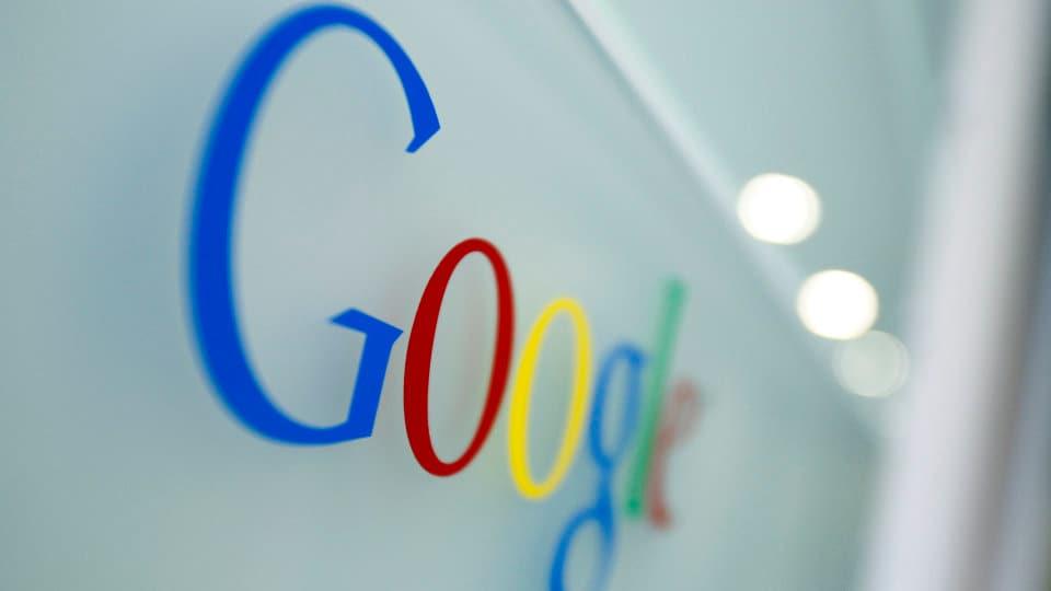 Google vi suggerisce di installare app durante la ricerca web