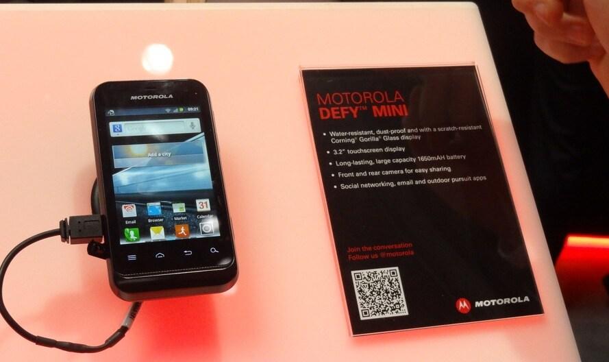 Motorola Defy Mini, prova MWC 2012