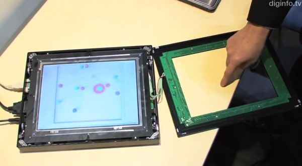 NEC ci mostra un possibile futuro dei display touchscreen