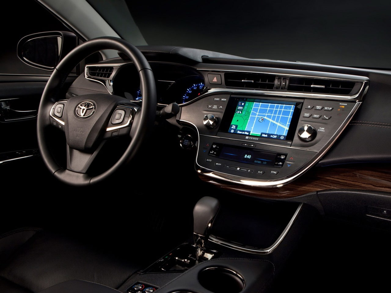 2013-Toyota-Avalon-Interior