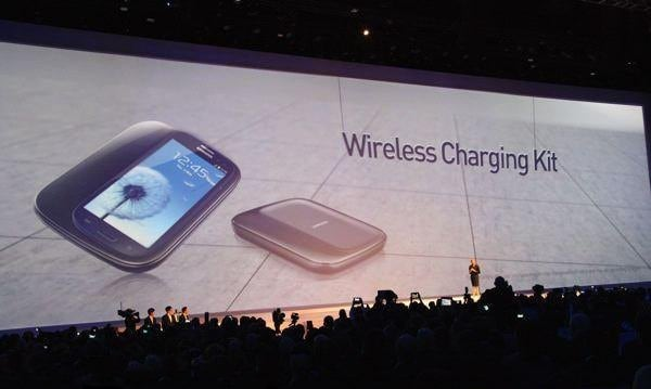 Samsung-Galaxy-S3-Wireless-Charging-Kit-1