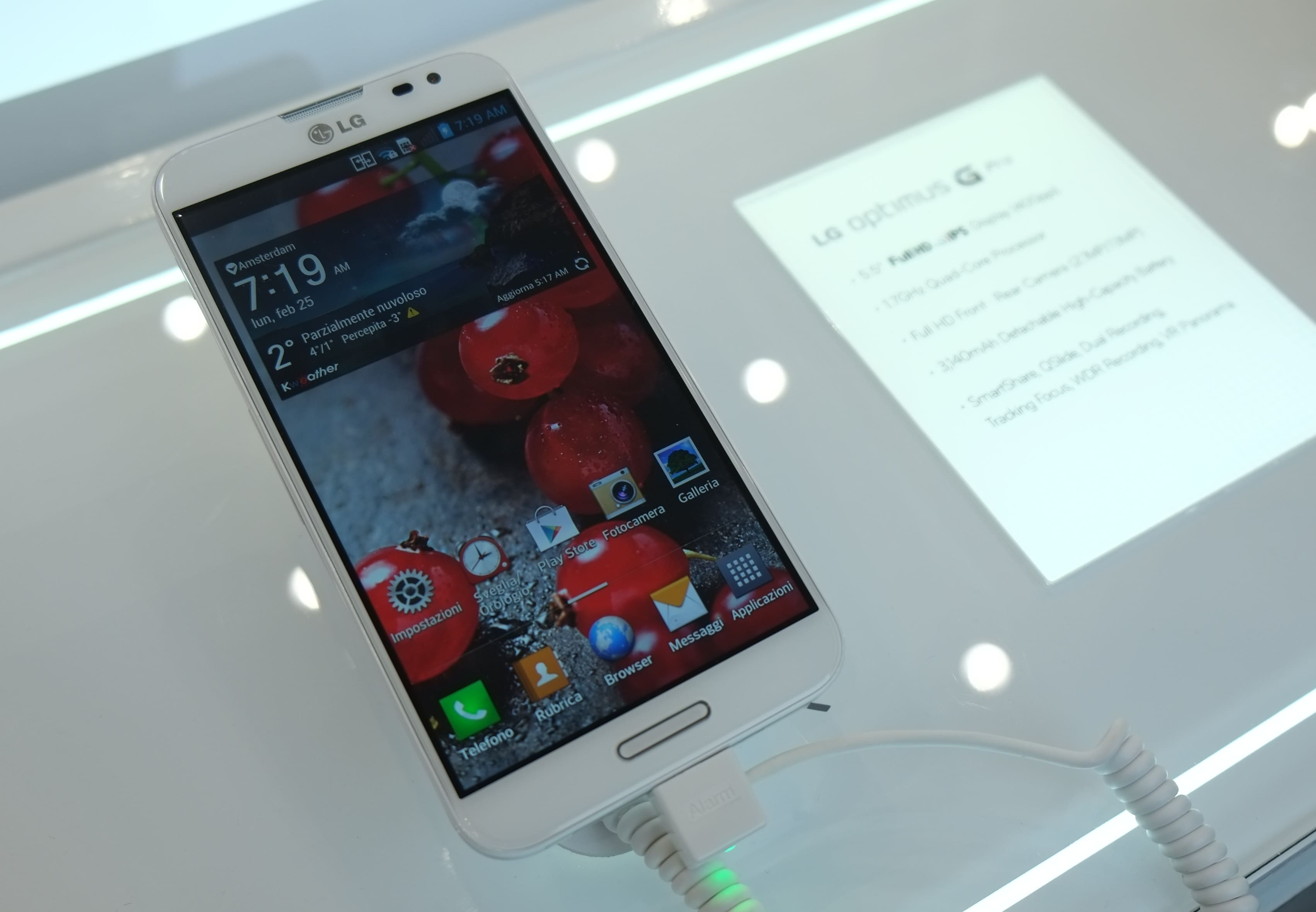 LG Optimus G Pro, la nostra anteprima dall'MWC (con sample video e foto)