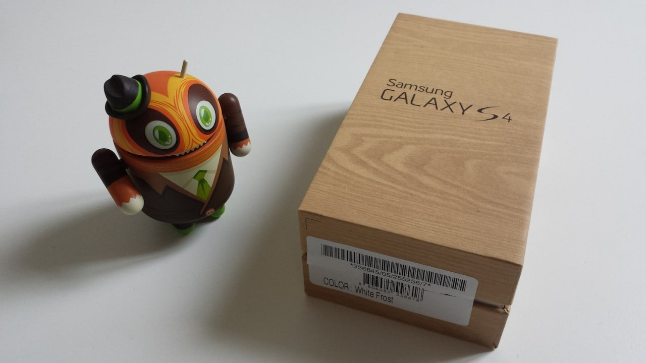 Unboxing Samsung Galaxy S4