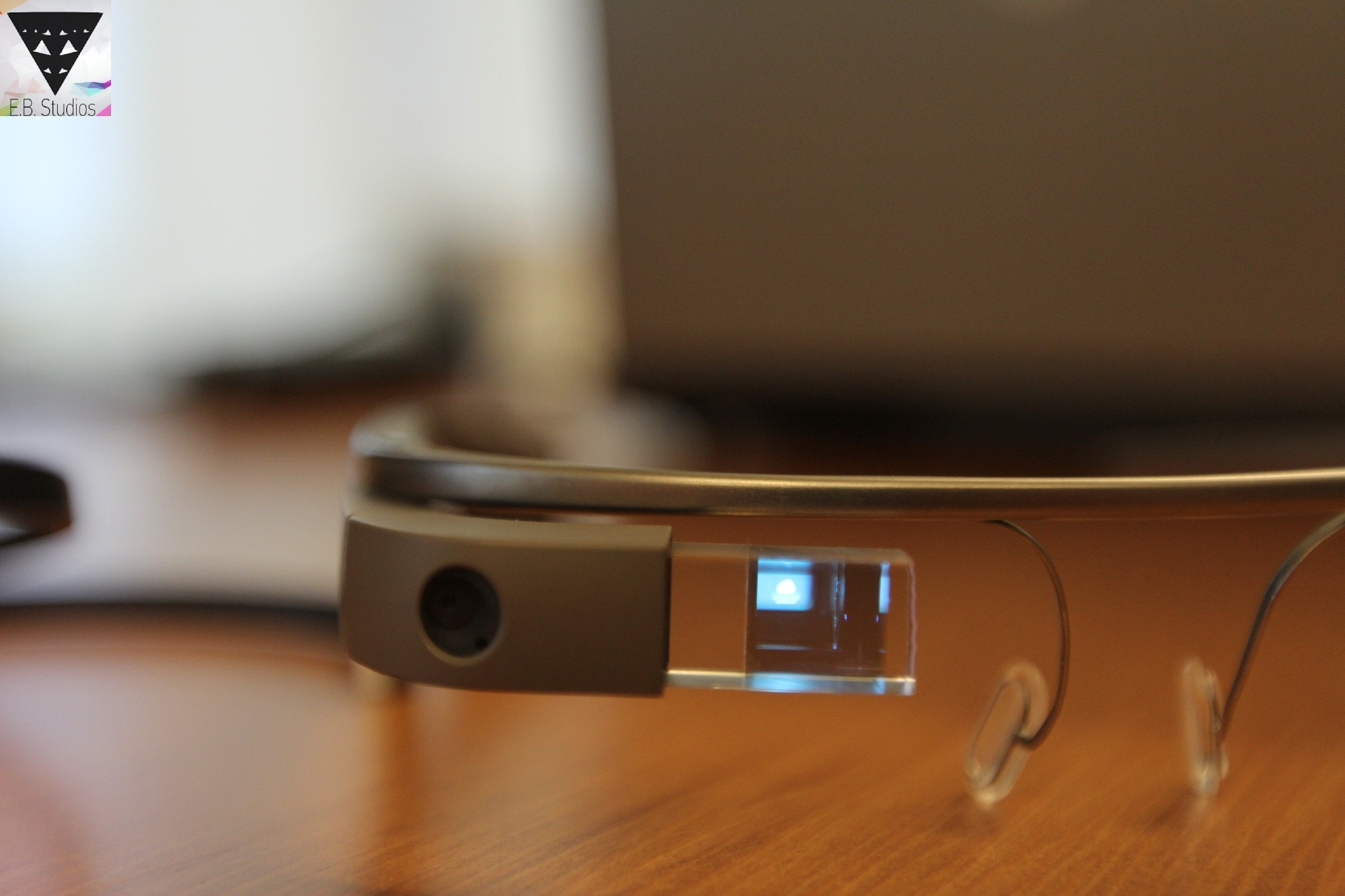 Ancora su Google Glass: batteria, gesture, hands-on, e nuovi foto e video focus