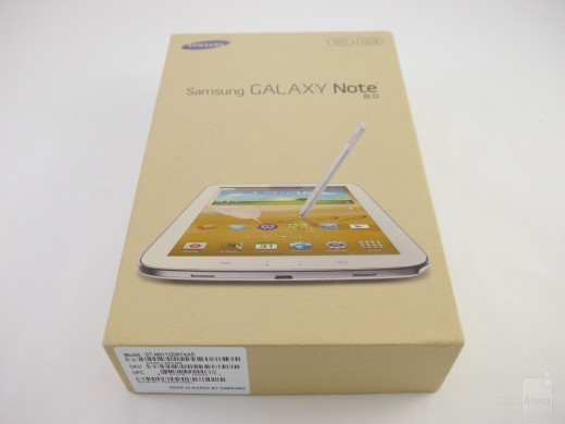 The-retail-boxes-of-the-Galaxy-S4-and-Galaxy-Note-8.0 (2)