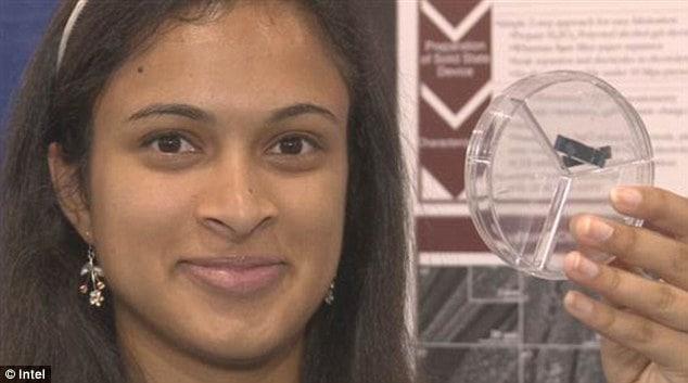 Un super-condensatore per ricaricare lo smartphone in 20 secondi: la promessa di una studentessa 18enne!