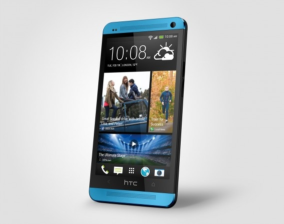 HTC One blue Perspective Right Source Render