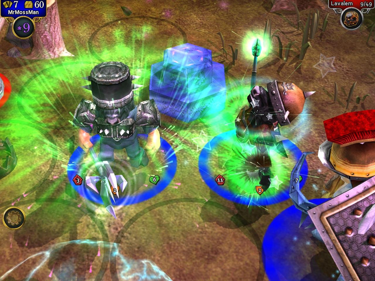 L'offensiva è spesso la miglior difesa in Combat Monsters, ma è anche molto importante potenziare l'eroe con cure e equipaggiamento.