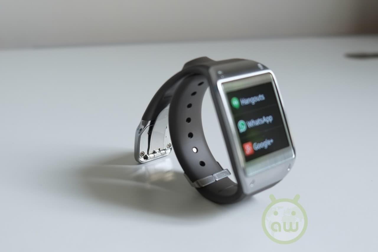 Lo smartwatch di Samsung con capacità telefoniche potrebbe chiamarsi Gear Solo?