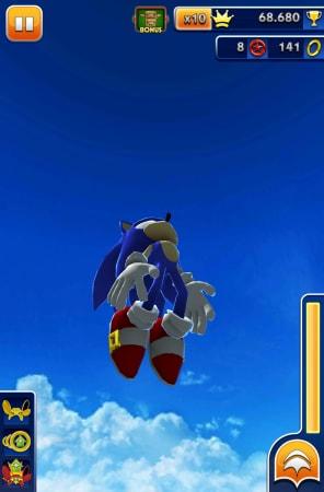Sonic Jump è nettamente più godibile di questo Sonic Dash.