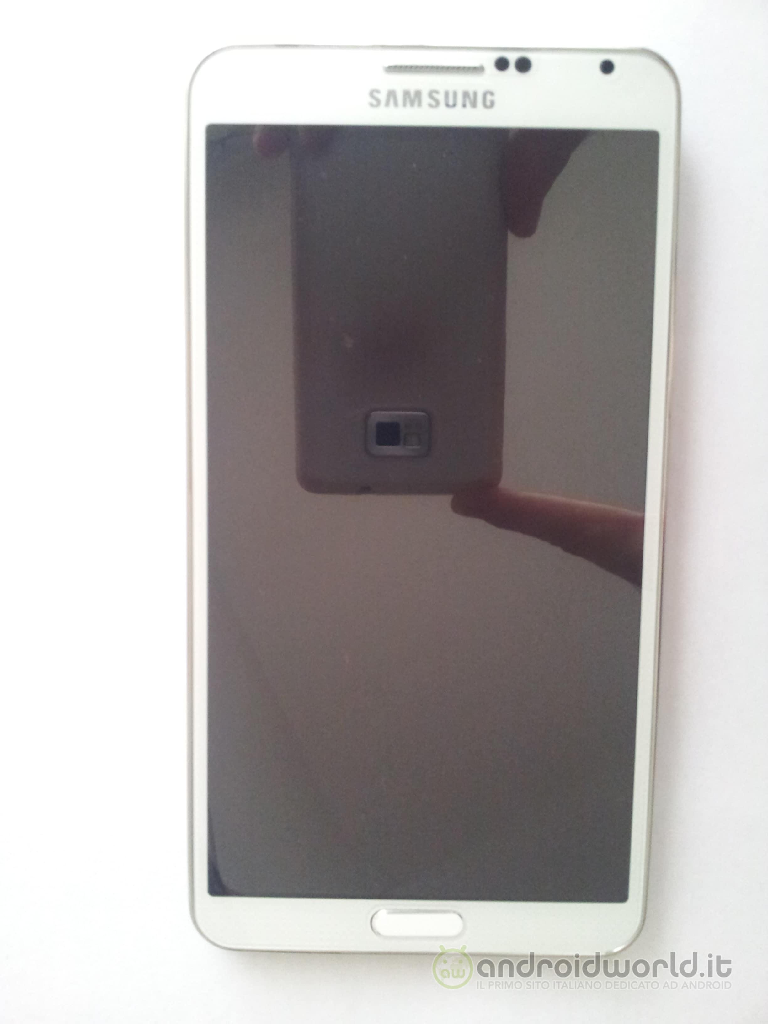 Galaxy Note 3 Fake 01