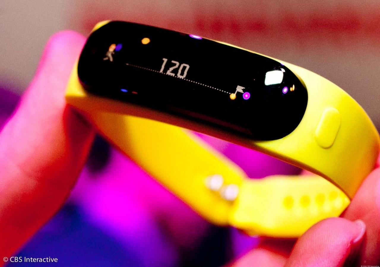 Huawei TalkBand B1 hands-on: maggior spessore per più funzioni (foto e video)