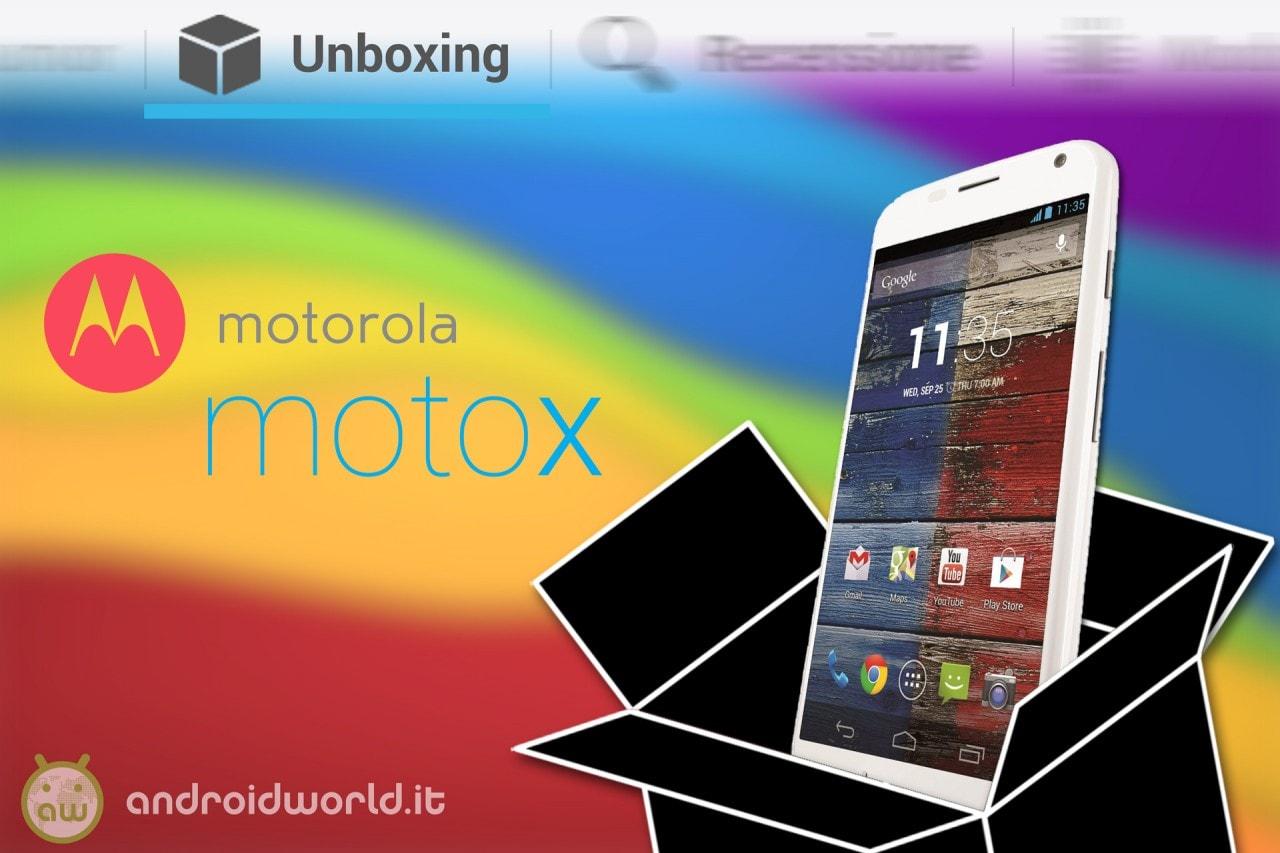 MOTOROLA_moto_x_Unboxing_1280px