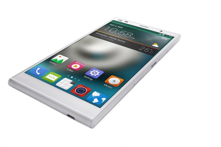 ZTE Grand Memo II LTE ufficiale: 6 pollici con Android 4.4 a 300 dollari (foto)