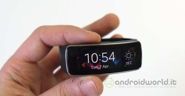 Samsung Gear Fit 01