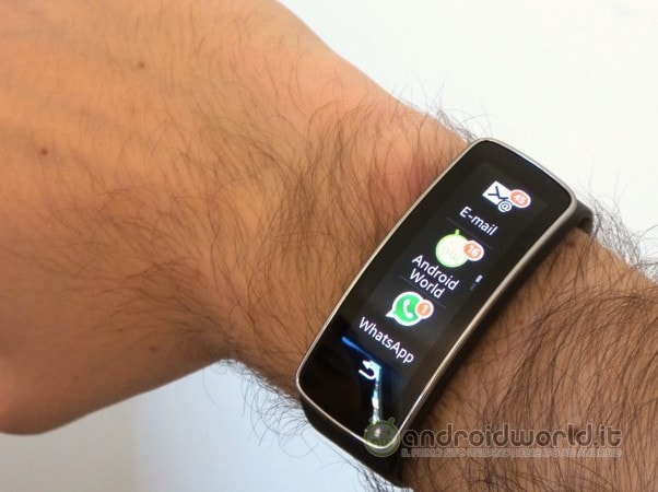 Samsung Gear Fit Verticale 06