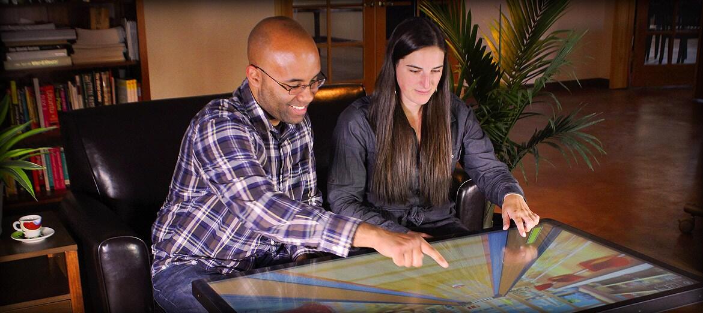 Giochiamo a Minecraft al bar su un tavolino da caffè da 46 pollici con Android! (video)