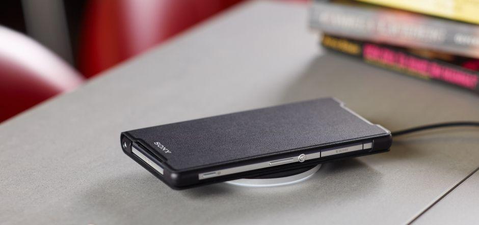 Sony presenta due accessori per ricarica induttiva su Xperia Z2 (foto)