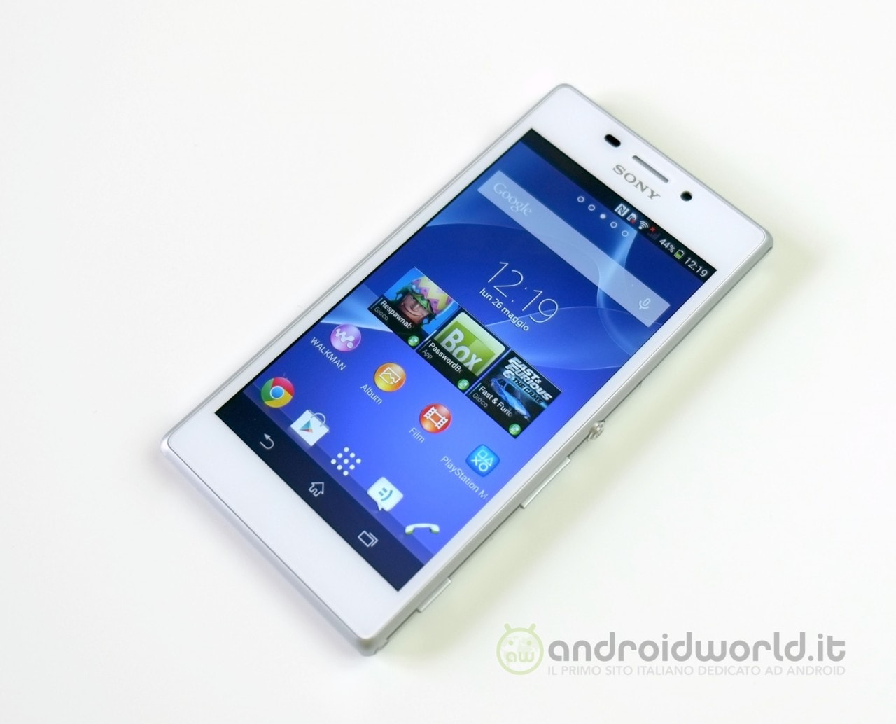 Sony Xperia M2 02