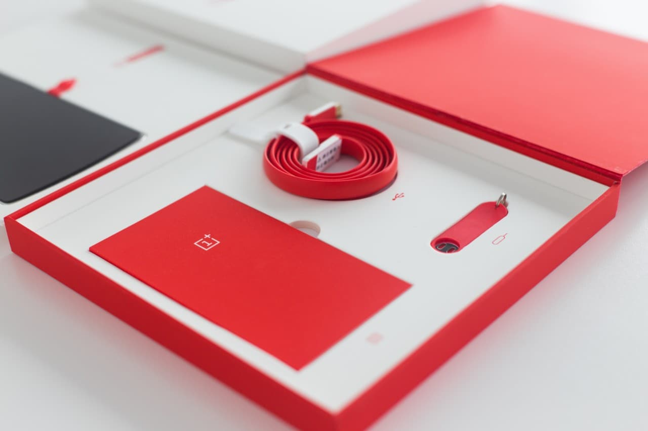 Unboxing ufficiale OnePlus One 8