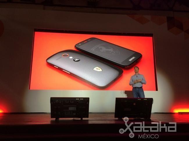 Motorola lancia in Messico il Moto G Ferrari Edition, con cover posteriore in kevlar