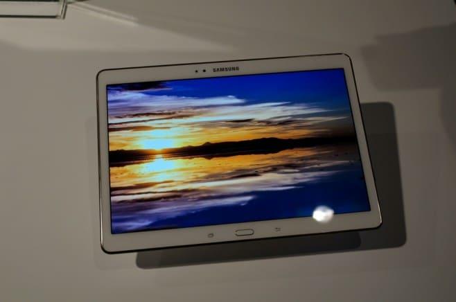 Samsung Galaxy Tab S 10.5 immagini