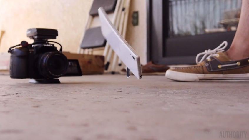 Sony Xperia Z2 Drop Test