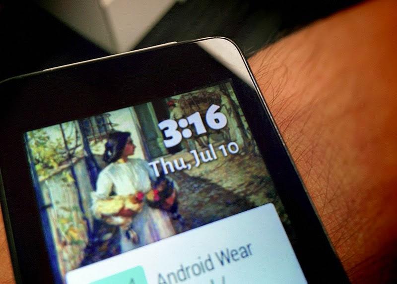 Roman Nurik al lavoro su Muzei per Android Wear