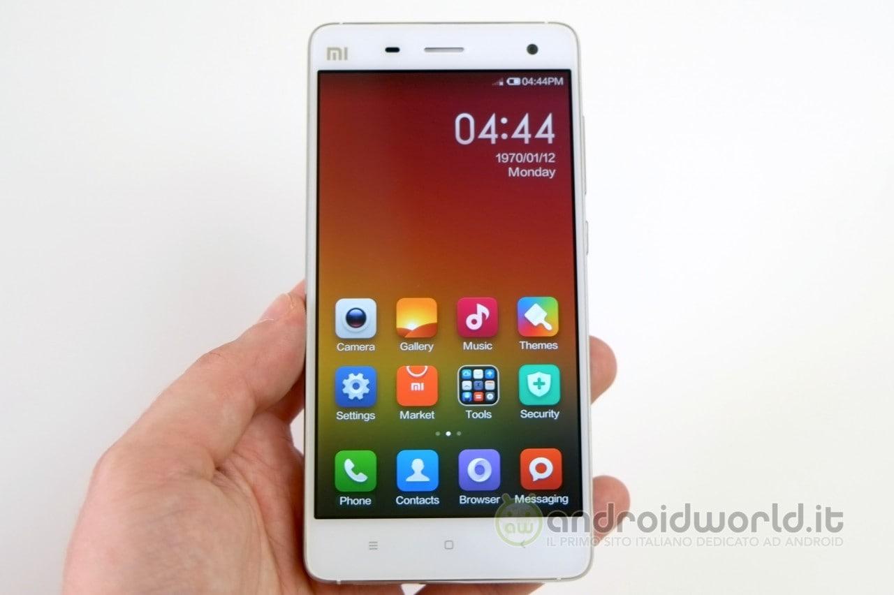 """Xiaomi Mi4 con supporto """"al nostro"""" LTE arriverà il 16 dicembre, ma intanto l'azienda è bandita dall'India"""