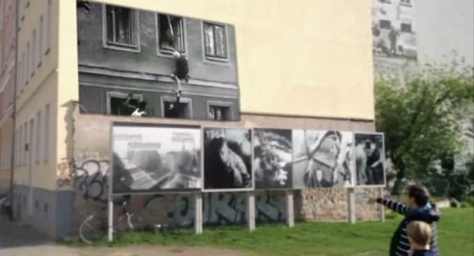 Berline Wall Timetraveler