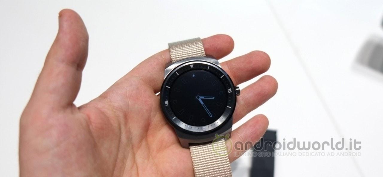 LG dimostra l'utilità di G Watch R... per un agente segreto! (video)