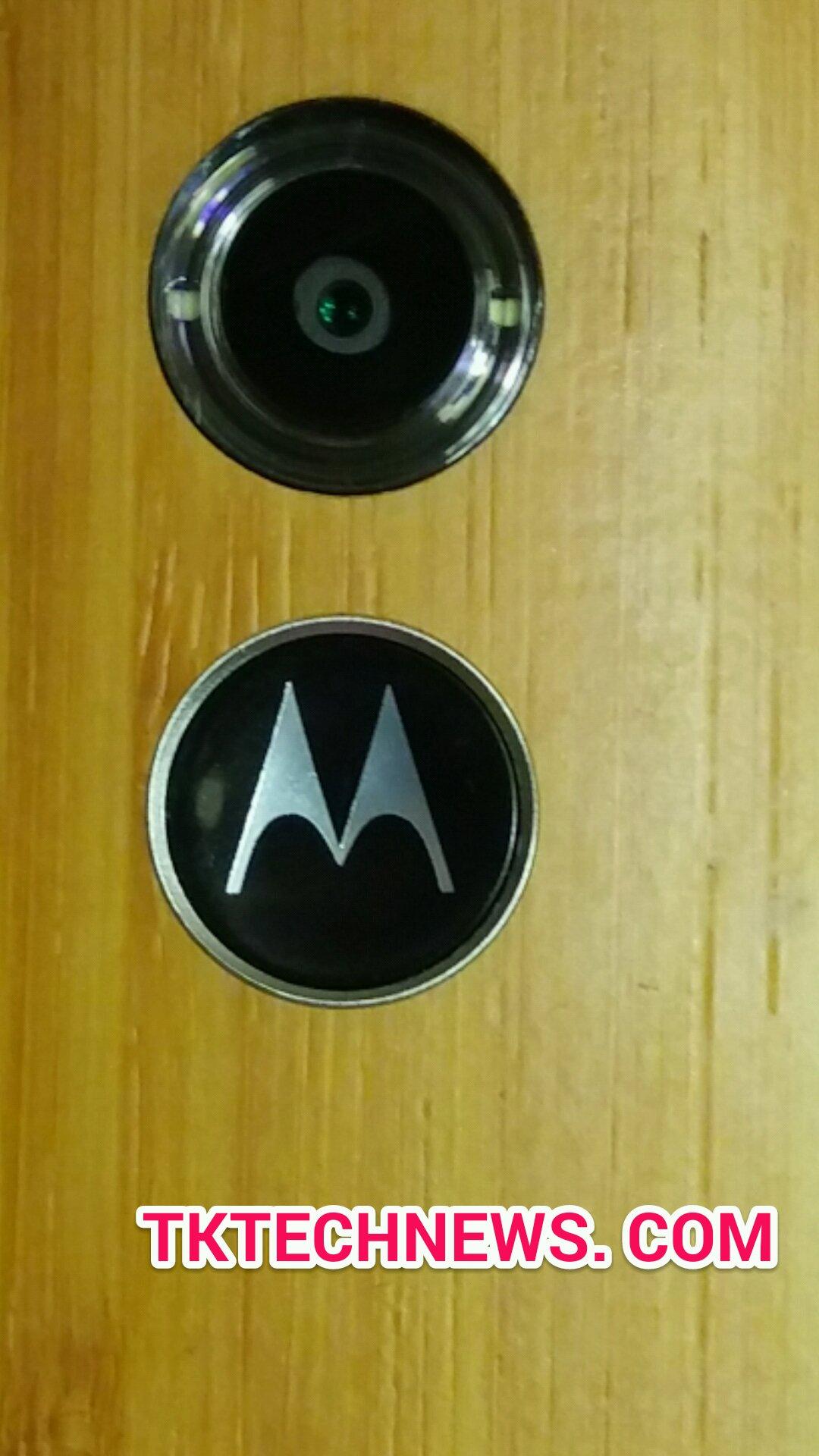 Moto X1 power button camera detail