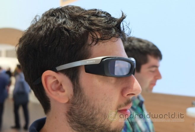 Sony SmartGlass anteprima 1