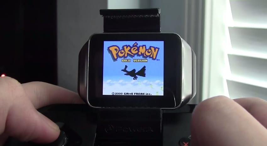 """Game Boy Color (e Pokémon Gold Version) su Android Wear? """"Si...può...fare!"""" (video)"""