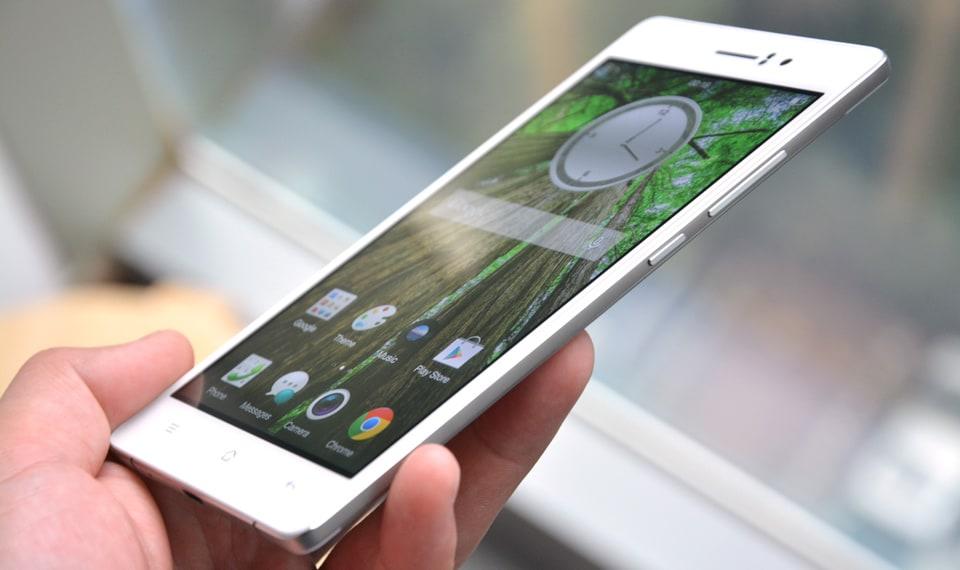Oppo R5 ufficiale: solo 4,85 mm per il nuovo smartphone più sottile al mondo, a 64-bit
