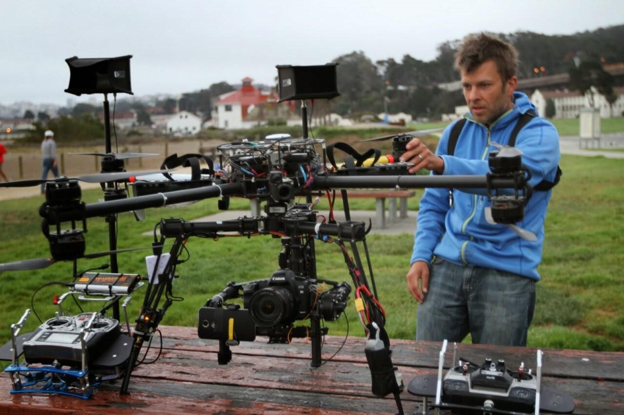 Anche Moto X (2014) registra filmati in 4K a cavallo di un super drone (foto e video)