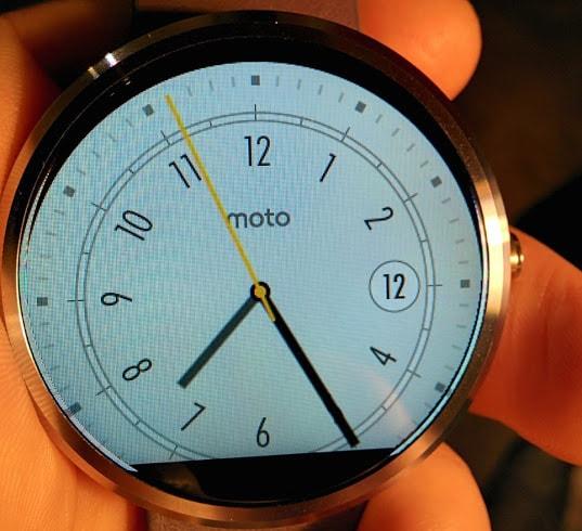 Motorola Moto 360 risolve i problemi di allineamento delle watch face