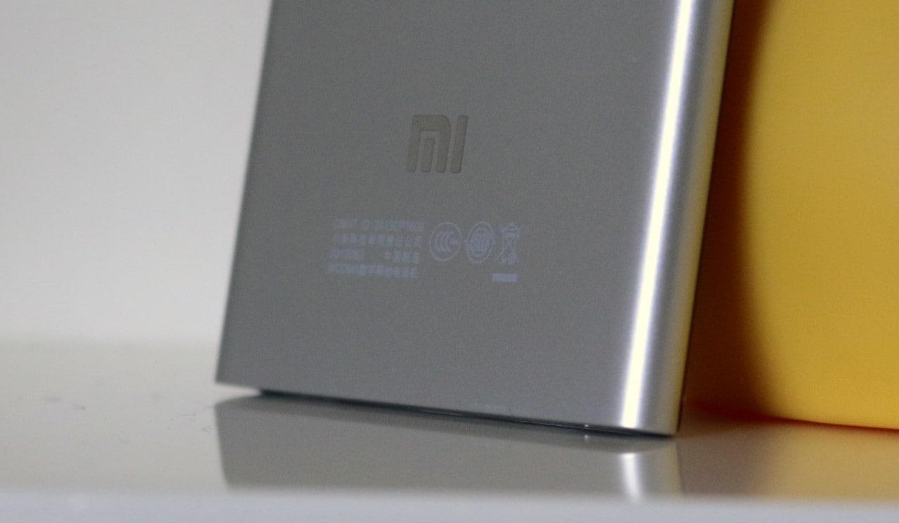 Un misterioso smartphone Xiaomi con lettore di impronte