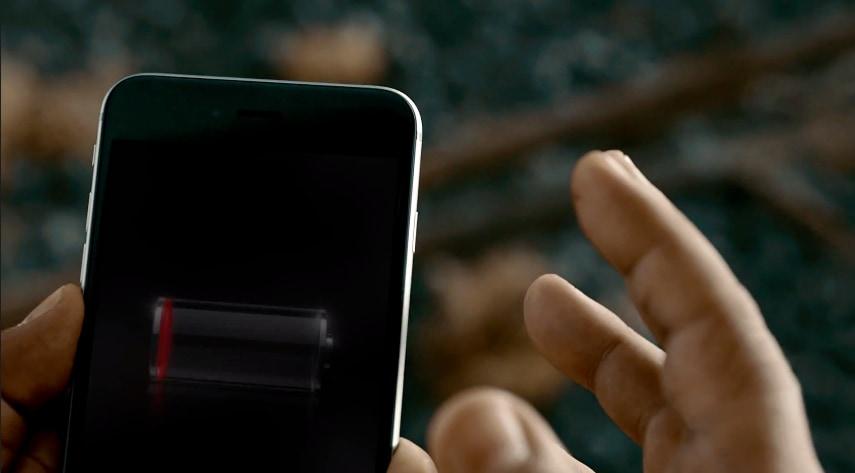 Huawei prende in giro l'autonomia di iPhone nel nuovo video di Ascend Mate 7