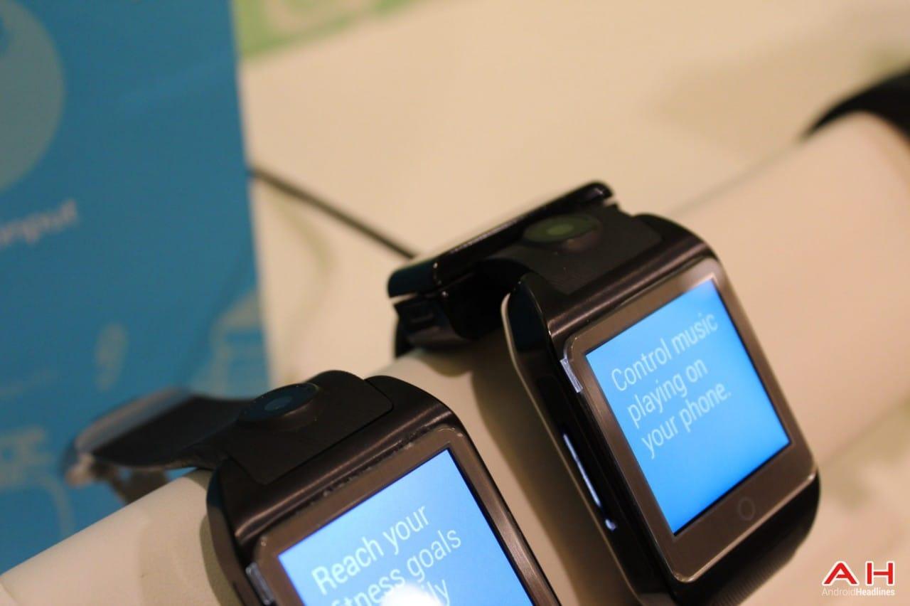 Il prototipo di smartwatch di MediaTek ha una fotocamera sul cinturino (foto)