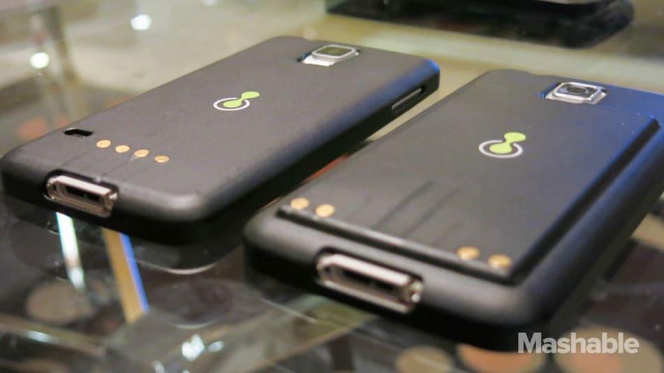 Ecco un Galaxy S5 che si ricarica in meno di due minuti, ma dura meno della metà! (video)