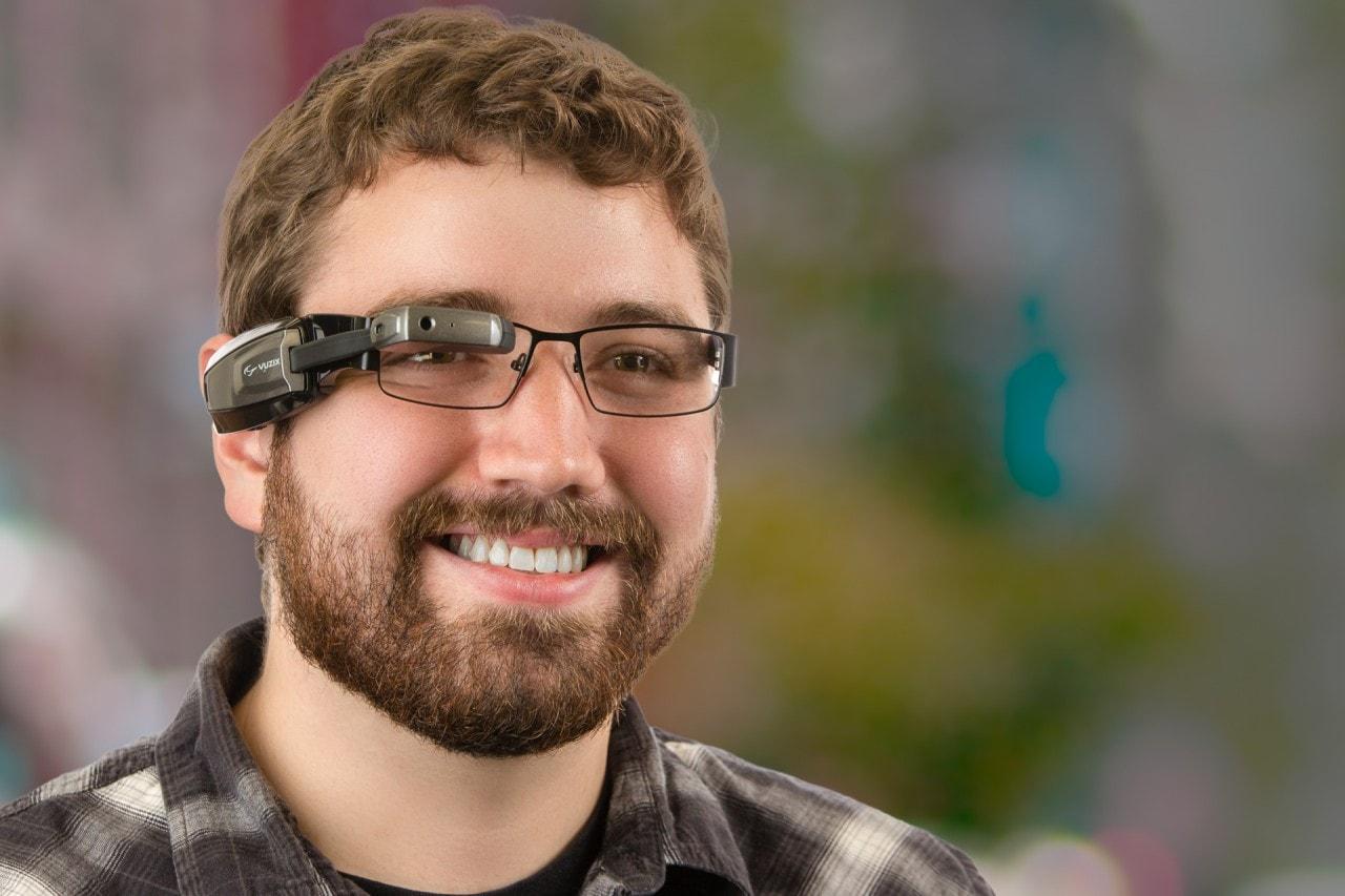 Vuzix M100, i rivali di Google Glass a 500$ in meno (foto e video)