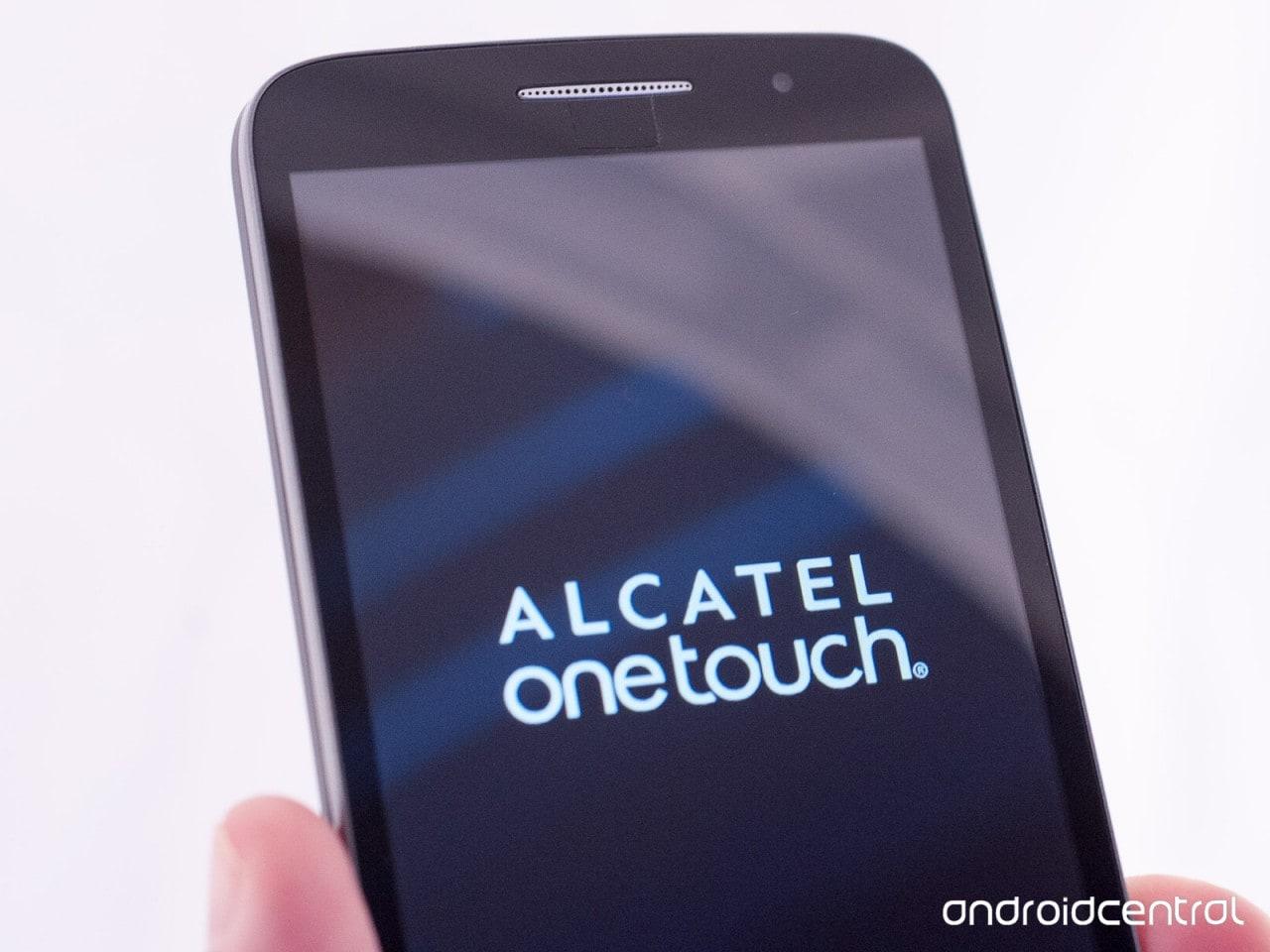 """Alcatel al CES: tre smartphone e un tablet, tutti """"Pop"""" (foto)"""