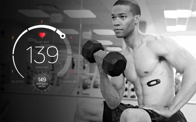 AmpStrip è il fitness tracker più folle di sempre, con le sembianze di un cerotto (foto)