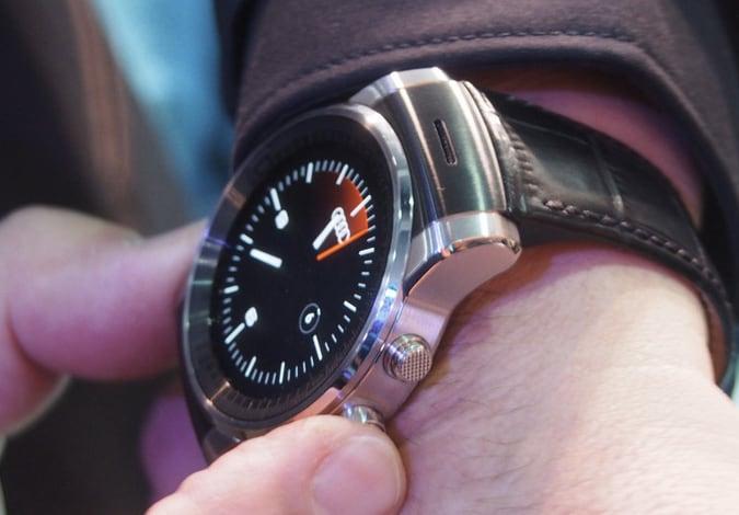 Un misterioso smartwatch LG con Android Wear compare durante l'evento di Audi (foto)