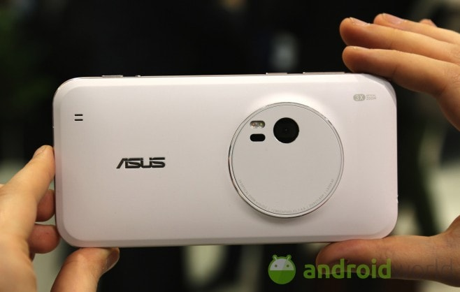 ASUS Zenfone Zoom 01
