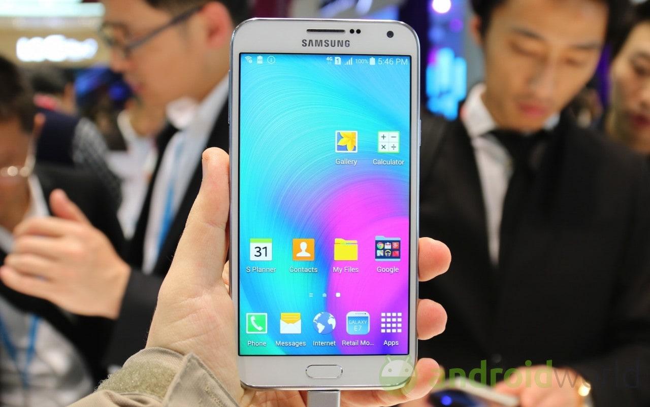 Samsung Galaxy E7 09
